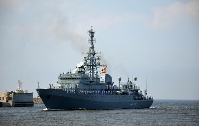 [ẢNH] Tàu trinh sát điện tử Nga giúp Iran chặn đứng cuộc tấn công trả đũa của Mỹ? - Ảnh 5.