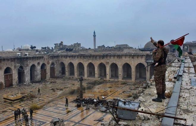 Điểm mặt các đơn vị sừng sỏ tại tây bắc Syria, tụ đòn sấm sét hủy diệt khủng bố? - Ảnh 1.
