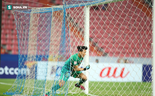 Bùi Tiến Dũng mắc lỗi tai hại khiến U23 Việt Nam nhận bàn thua ngỡ ngàng