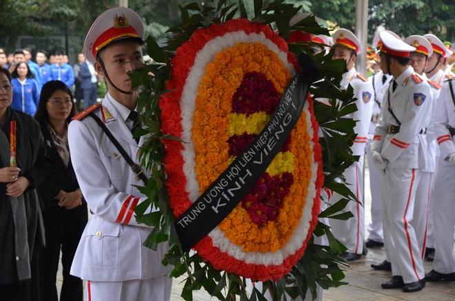 Thủ tướng Nguyễn Xuân Phúc tới viếng 3 chiến sĩ sỹ hy sinh ở Đồng Tâm - Ảnh 10.