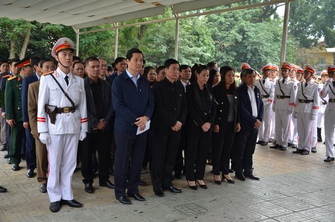 Thủ tướng Nguyễn Xuân Phúc tới viếng 3 chiến sĩ sỹ hy sinh ở Đồng Tâm - Ảnh 17.