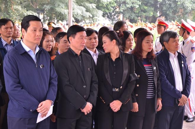 Thủ tướng Nguyễn Xuân Phúc tới viếng 3 chiến sĩ hy sinh ở Đồng Tâm - Ảnh 18.