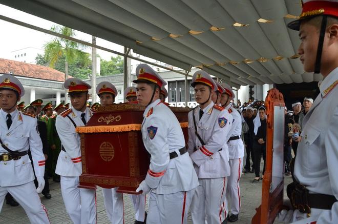 Nghẹn ngào tiễn đưa 3 liệt sĩ hy sinh tại Đồng Tâm - Ảnh 5.