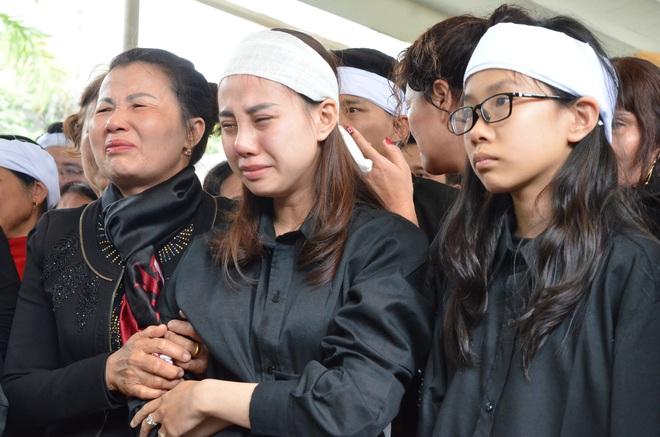 Nghẹn ngào tiễn đưa 3 liệt sĩ hy sinh tại Đồng Tâm - Ảnh 13.