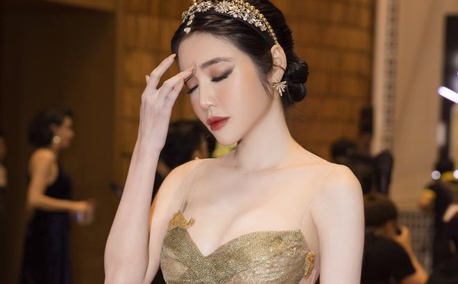 Tại sao Elly Trần mệt mỏi, đột ngột ngã quỵ ngay giữa đám đông?