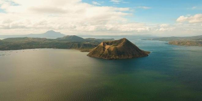 Núi lửa Taal dữ dội bậc nhất Philippines sắp phun trào đáng sợ? Kịch bản xấu nhất là gì? - Ảnh 2.