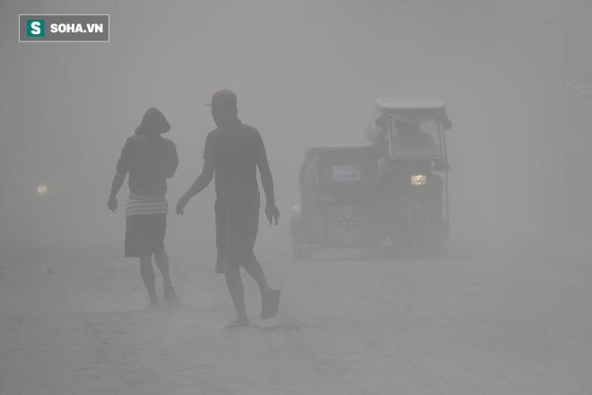 Núi lửa Taal dữ dội bậc nhất Philippines sắp phun trào đáng sợ? Kịch bản xấu nhất là gì? - Ảnh 4.