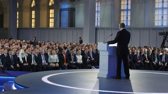 Địa chấn chính trị Nga: Thông điệp gây sốc của TT Putin mở màn chuyển giao quyền lực kịch tính - Ảnh 4.