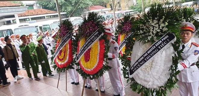 Thủ tướng Nguyễn Xuân Phúc tới viếng 3 chiến sĩ sỹ hy sinh ở Đồng Tâm - Ảnh 7.