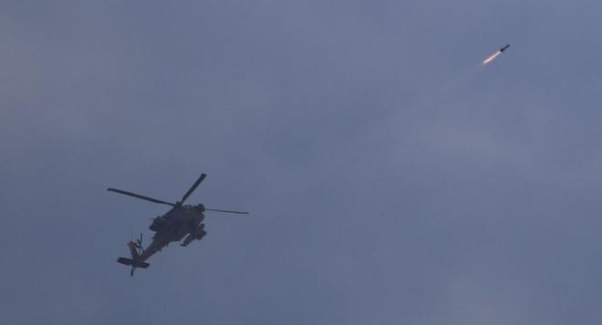 NÓNG: Máy bay chiến đấu Israel oanh tạc đánh sập hầm ngầm ở Dải Gaza - Ảnh 1.