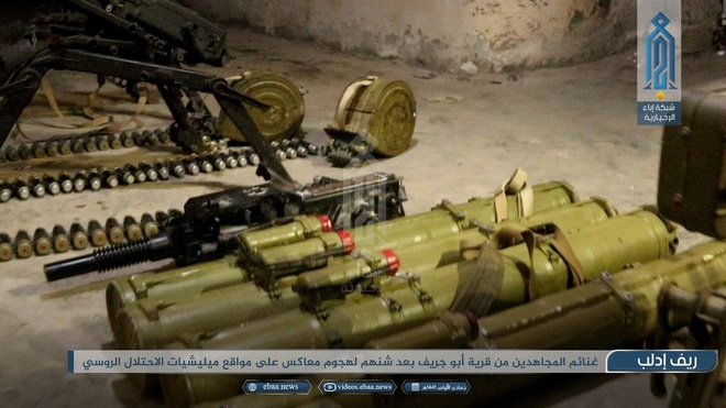 Bị phiến quân tập kích hiểm, Quân đội Syria tháo chạy bỏ lại cả vũ khí - Ảnh 2.