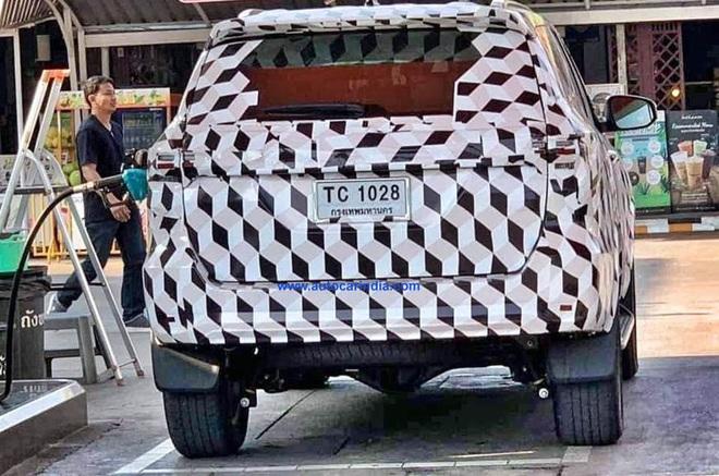 Hình ảnh mới nhất về chiếc Toyota Fortuner sắp ra mắt thị trường - Ảnh 1.