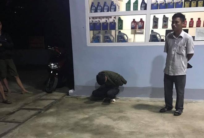Thanh niên cầm dao cướp tiền của nhân viên cây xăng ngày ông Công ông Táo về trời - Ảnh 2.