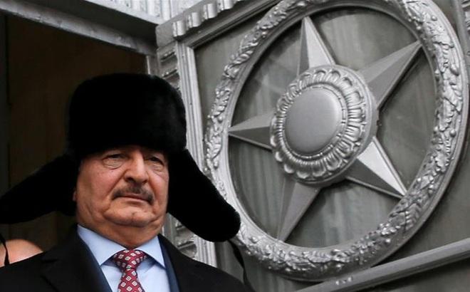 """Tướng Haftar gửi """"thư tay"""" cho TT Nga Putin, tranh thủ ngưng bắn Thổ triển khai vũ khí gì ở Libya?"""