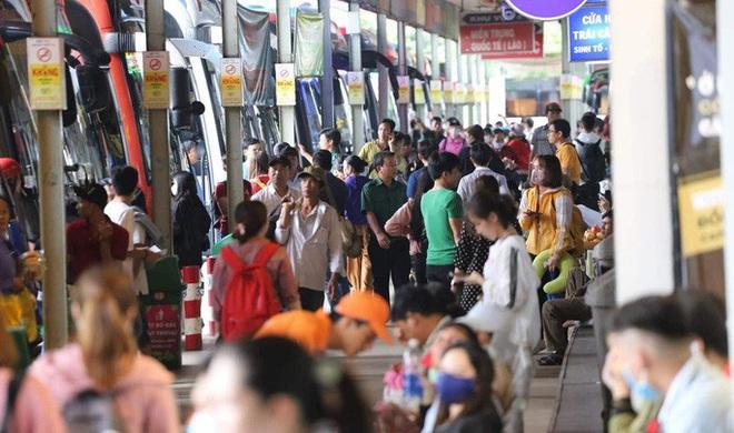 Đã cận kề Tết, Bến xe Miền Đông vẫn còn hơn 21.000 vé xe giường nằm - Ảnh 2.