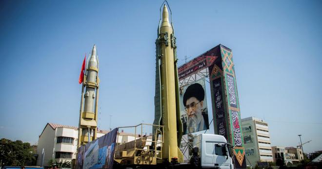Iran sẽ có bom hạt nhân sau 2 năm, đòn tấn công của Israel sắp tới? - Ảnh 13.