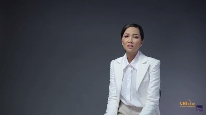 H'Hen Niê: Hoa hậu chỉ nên là những người có điều kiện, được chống lưng - Ảnh 3.