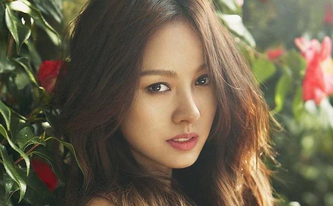 """Ở ẩn bao lâu lại còn sống giản dị, """"nữ hoàng sexy"""" Lee Hyori vẫn """"tậu"""" nhà trăm tỷ liền tay: Độ hoành tráng như thế nào?"""