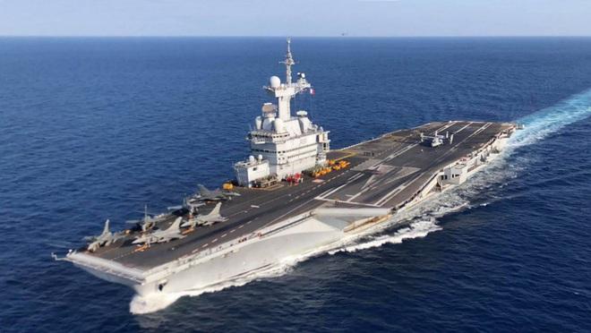Iran nóng rực: Tàu sân bay, tên lửa Mỹ áp sát, hàng không mẫu hạm Pháp hừng hực vào thế - Ảnh 2.