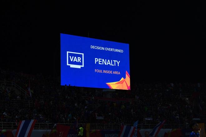 Uất ức với quả penalty bí hiểm, Thái Lan gửi khiếu nại lên AFC, đòi một câu công bằng - Ảnh 1.
