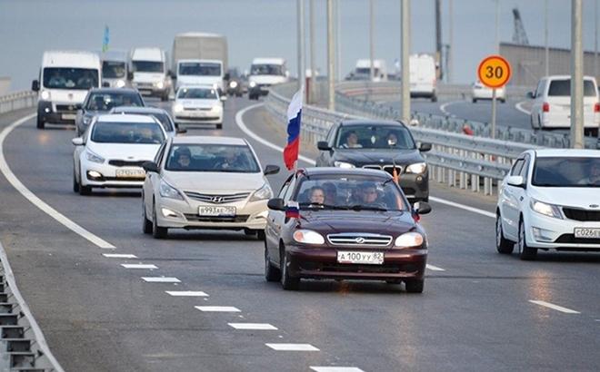 Nga cảnh báo đanh thép khi Ukraine lại đe dọa tấn công cầu Crimea - Ảnh 2.
