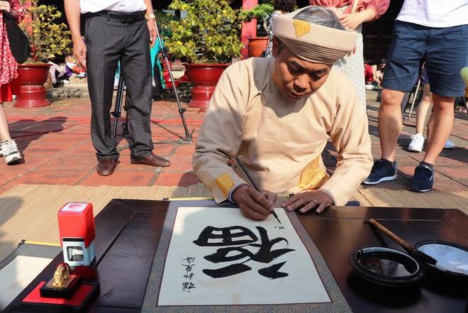 Mãn nhãn với 'Hương xưa bánh Tết' trong Hoàng cung Huế - Ảnh 15.