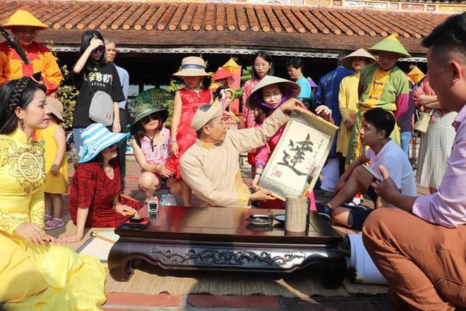 Mãn nhãn với 'Hương xưa bánh Tết' trong Hoàng cung Huế - Ảnh 17.