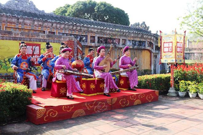 Mãn nhãn với 'Hương xưa bánh Tết' trong Hoàng cung Huế - Ảnh 4.