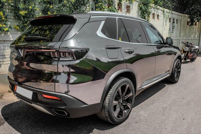 """Rộ trào lưu """"thay áo"""" cho xe Vinfast, độc nhất là chiếc Lux SA2.0 vỏ Chrome bóng như gương - Ảnh 6."""