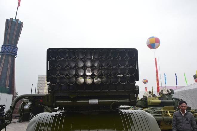 Lần đầu Pháo binh Việt Nam giới thiệu các loại hỏa lực cực mạnh trong biên chế: Gần trọn bộ - Ảnh 14.