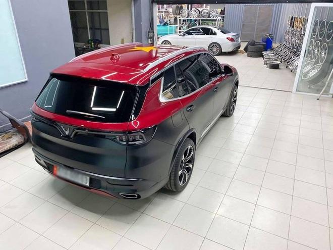 """Rộ trào lưu """"thay áo"""" cho xe Vinfast, độc nhất là chiếc Lux SA2.0 vỏ Chrome bóng như gương - Ảnh 2."""