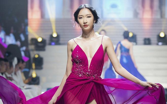 Hoa hậu Sinh viên thế giới: Cô gái Sài Gòn từng bị chê bai vì vết sẹo và màn toả sáng trong đêm chung kết