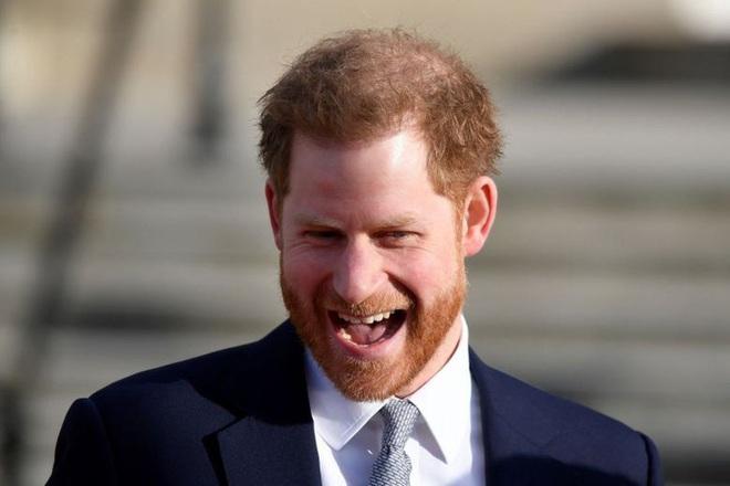 Hành trình trốn chạy hoàng gia Anh của Hoàng tử Harry - ảnh 1