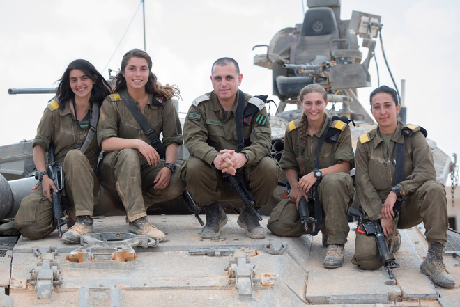 Lực lượng phòng vệ Israel: Nữ quân nhân sẽ không thể vượt qua vùng cấm này? - Ảnh 10.