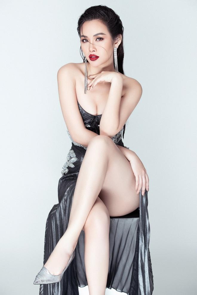 Á hậu Thanh Trang tung ảnh nóng bỏng, khoe nhan sắc nuột nà  - Ảnh 4.