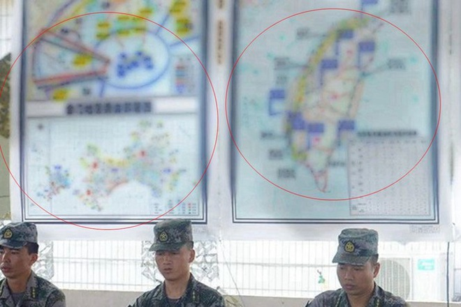 Rò rỉ ảnh quân đội Trung Quốc diễn tập đánh chiếm Đài Loan vào thời điểm nhạy cảm trong quan hệ hai bờ Eo biển - Ảnh 1.