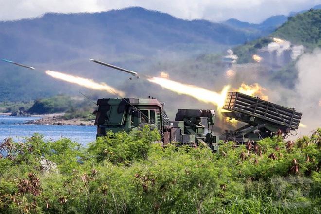 Rò rỉ ảnh quân đội Trung Quốc diễn tập đánh chiếm Đài Loan vào thời điểm nhạy cảm trong quan hệ hai bờ Eo biển - Ảnh 5.
