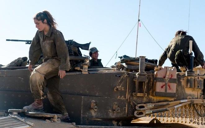 Lực lượng phòng vệ Israel: Nữ quân nhân sẽ không thể vượt qua vùng cấm này? - Ảnh 9.