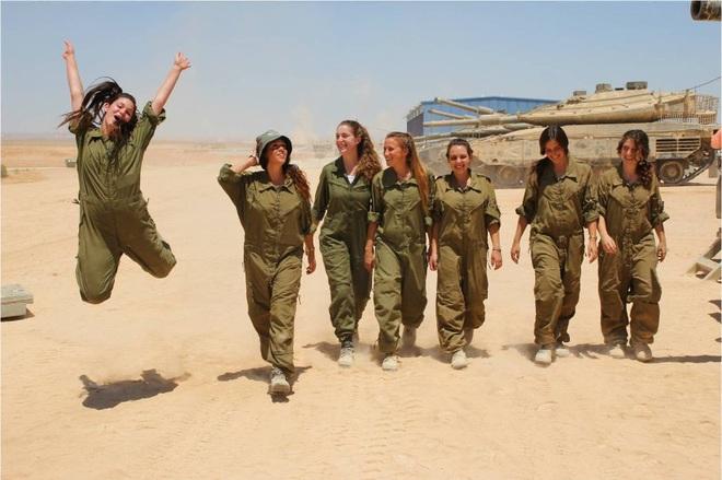 Lực lượng phòng vệ Israel: Nữ quân nhân sẽ không thể vượt qua vùng cấm này? - Ảnh 11.