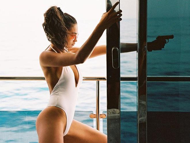 Sắc vóc nóng bỏng của người mẫu cao 1m80 Kelly Gale - Ảnh 2.