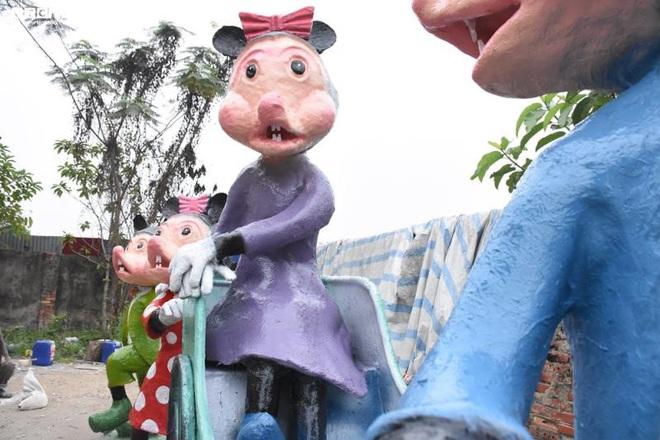 Độc đáo gia đình chuột khổng lồ nắm tay nhau dạo phố Hải Phòng - Ảnh 11.