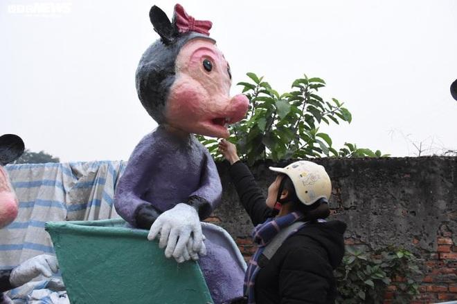 Độc đáo gia đình chuột khổng lồ nắm tay nhau dạo phố Hải Phòng - Ảnh 14.