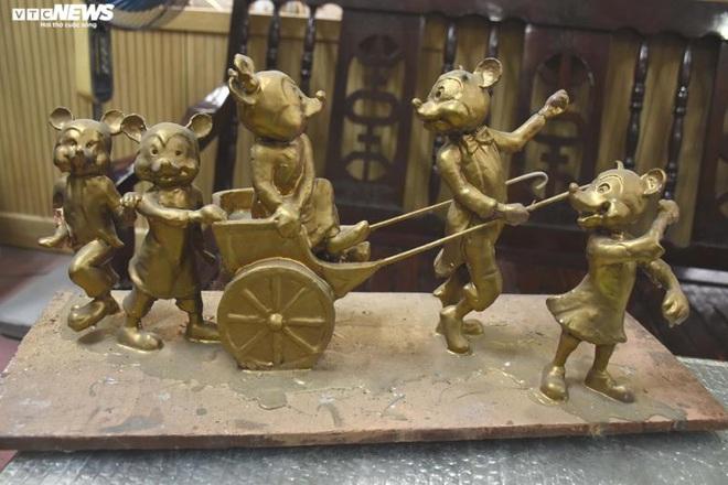 Độc đáo gia đình chuột khổng lồ nắm tay nhau dạo phố Hải Phòng - Ảnh 7.