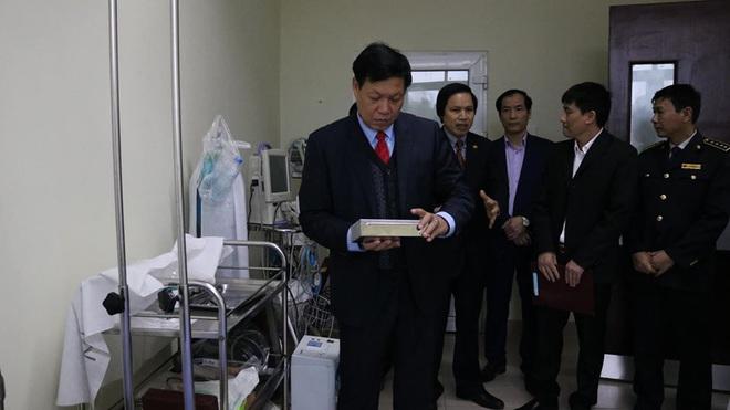 Hành trình di chuyển tại Việt Nam của 2 bố con người Trung Quốc dương tính virus corona - Ảnh 1.