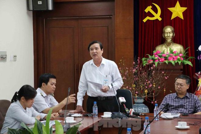 Chống virus corona: Giám sát chặt khách quốc tế tại sân bay Tân Sơn Nhất - Ảnh 1.