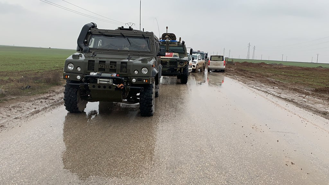 Nga dùng xe tăng để mở đường nếu Mỹ tiếp tục chặn đoàn tuần tra? - Ảnh 4.