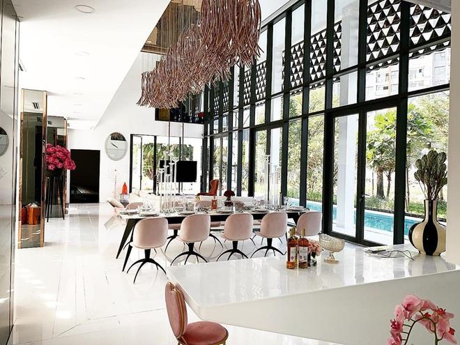 Ngọc Trinh khoe nội thất căn nhà 2 triệu đô, tiết lộ về số tiền mình kiếm được trong năm 2019 - Ảnh 4.