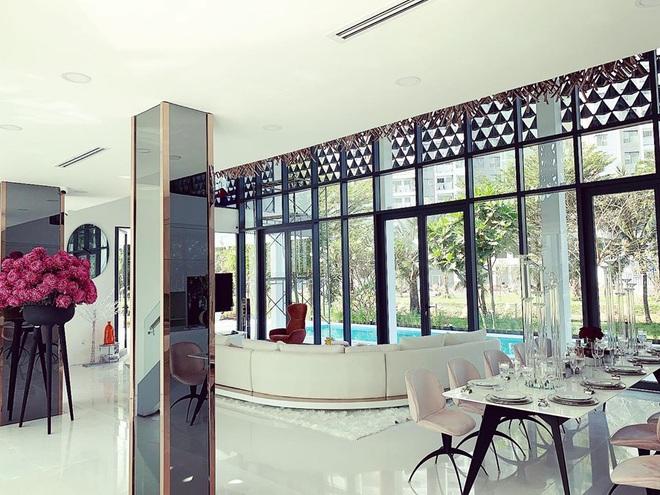Ngọc Trinh khoe nội thất căn nhà 2 triệu đô, tiết lộ về số tiền mình kiếm được trong năm 2019 - Ảnh 7.