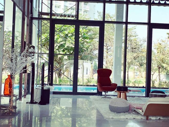 Ngọc Trinh khoe nội thất căn nhà 2 triệu đô, tiết lộ về số tiền mình kiếm được trong năm 2019 - Ảnh 8.