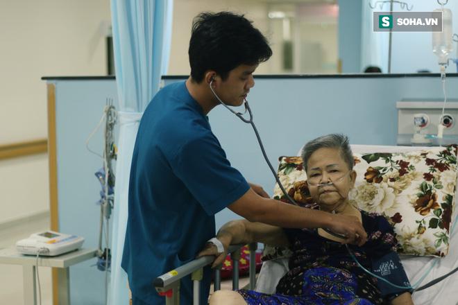 TẾT MUỘN Ở SÀI GÒN: Vui nhất là thấy giường bệnh ít đi một người, phòng cấp cứu vắng đi một chút - Ảnh 3.